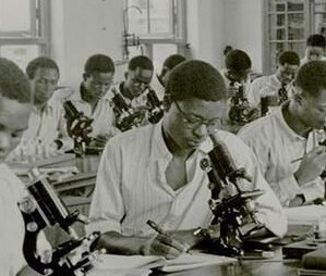 1947- Students at Protozoology Class Yaba Higher College. Source:  NNP