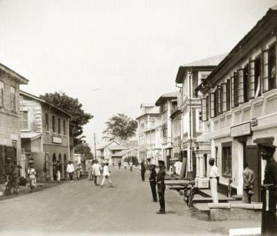 View of Custom Street, Marina, Lagos (circa) 1925 in the years when Tunde King's career commenced.
