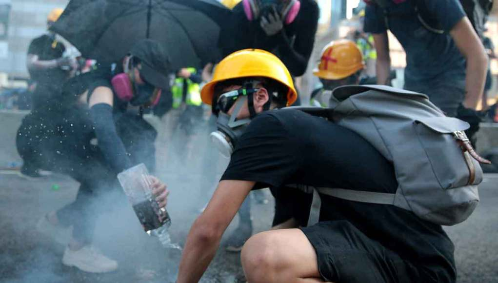 Hong Kong: the Working Class Takes the Stage