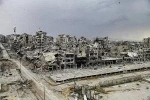 Destrucción en Siria tras bombardeos del régimen, EEUU, Rusia y Francia.