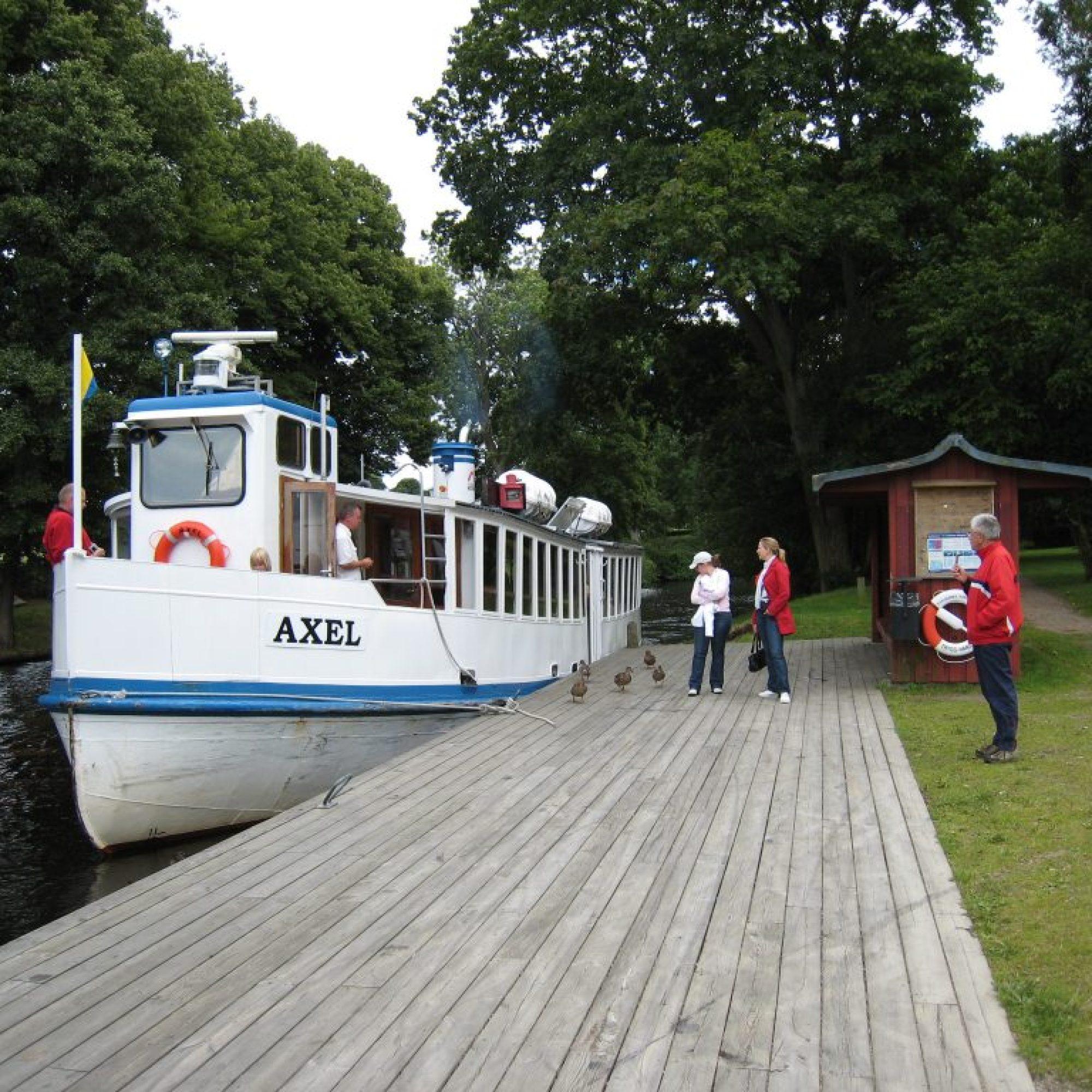 Axel vid bryggan i Nättraby