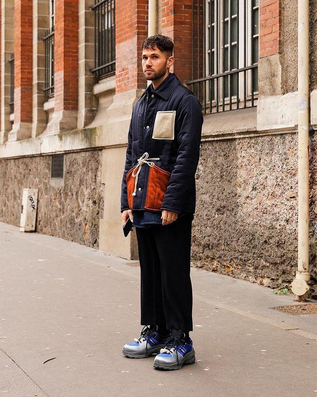 30代40代メンズに似合う黒パンツ秋冬コーデ