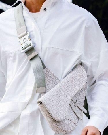 30代40代に似合うハイブランド白シャツ白シャツ
