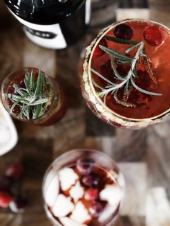 SPARKLING POMEGRANATE ROSEMARY CHRISMOSAS