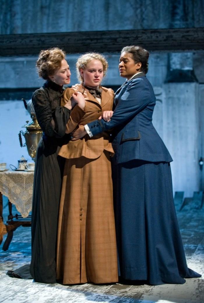 Carrie-Coon-Caroline-Neff-Ora-Jones-Three-Sisters-Steppenwolf-Theatre