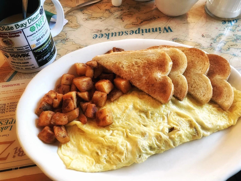 Olde Bay Diner, A Little Murder Alton Bay Tour, Lake Winnipesaukee