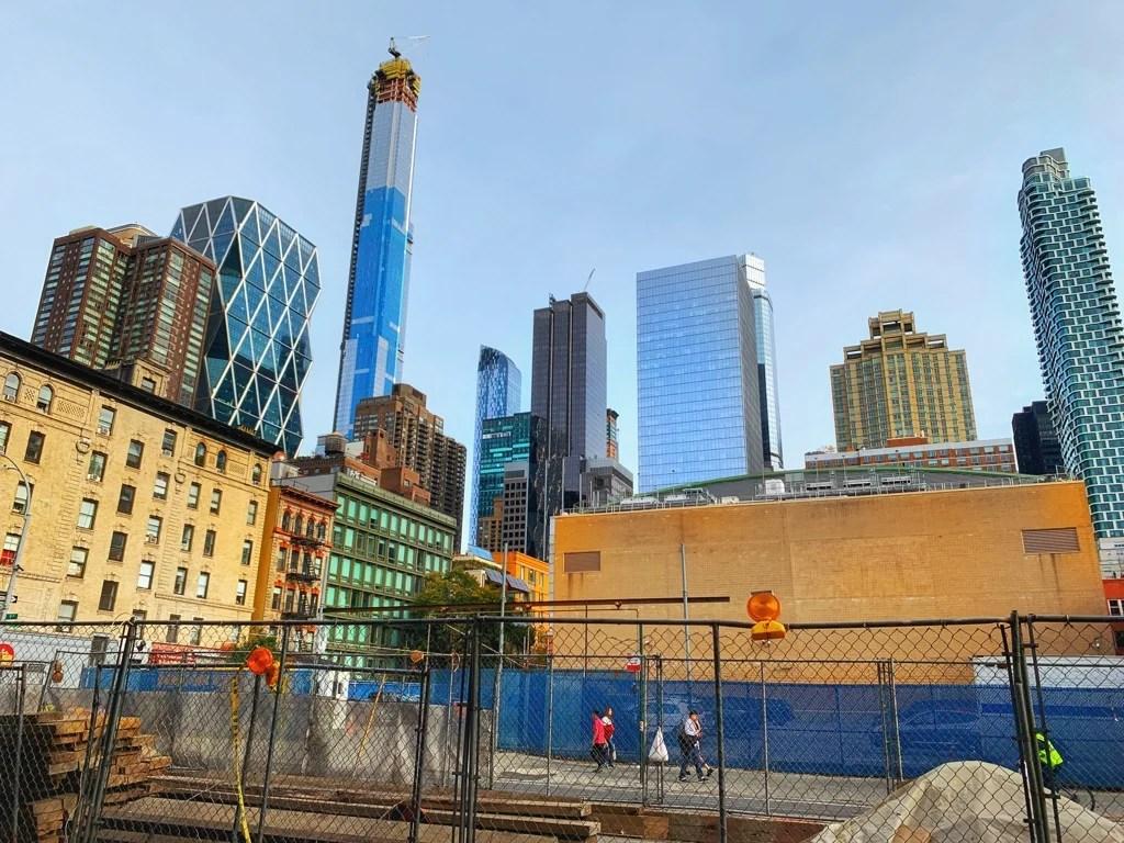 New York City Street scene, skyscrapers
