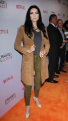 Laura Prepon (Alex Vause) said she would bring her black eyeliner.