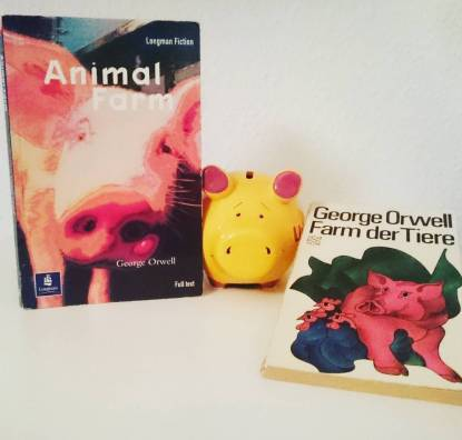 #bookishscavengerhunt16 Day 12: Cover with an animal. This is my dad's 1972 German school edition of Animal Farm next to my 2002 English school version. We read these as part of the curriculum at the same grammar school in Germany. #animalfarm #georgeorwell #bookstagram #schoolreading #gymnasiumschwertstrasse ©theliteratigirl