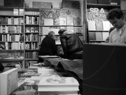 Viel Besuch beim Abend für die Katzengrabenpresse - mit Verleger und Autor Christian Ewald. Foto: Kathrin Häckert