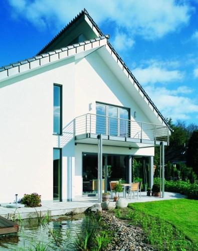Hus med vinduer fra Lito byg