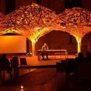 Urs Allemann performt Lyrik im Literaturhaus St. Jakobi
