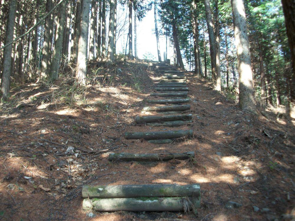 城峰山・石間峠からの上り階段