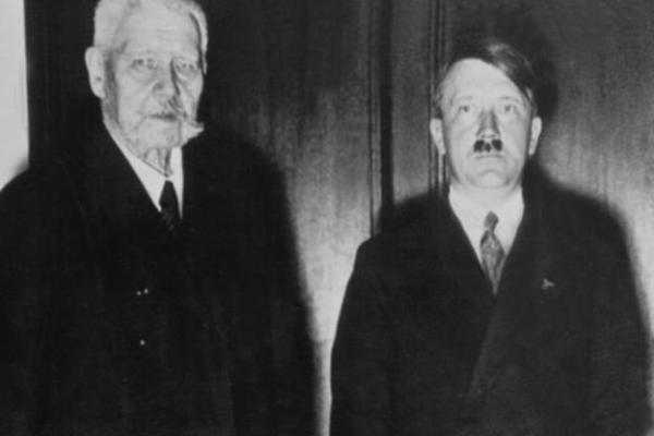 Гитлер и Гинденбург