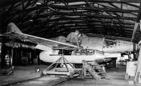 Сборка самолёта Ме-262