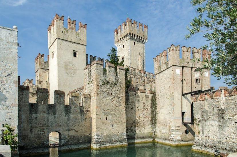 Замок в Сирмионе
