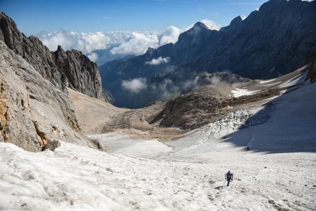 Germany Zugspitze Glacier Man