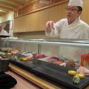 SUSHI DINNER IN TOKYO
