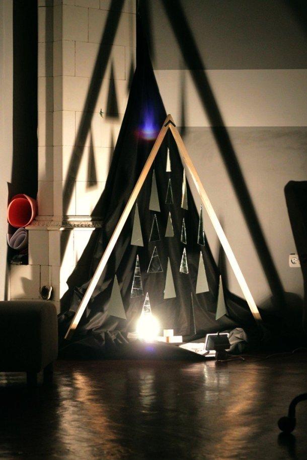 alternative christmas tree by loot 3
