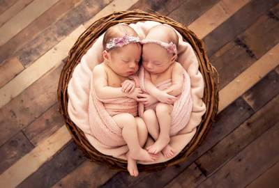 little-bambinos-photography-gold-coast-newborn-twins-1