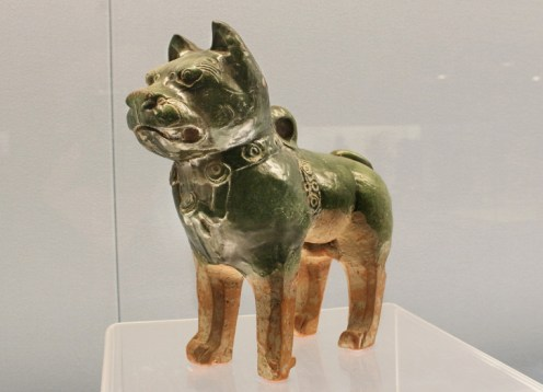 Hund (Chow-Chow?) aus der östlichen Han-Dynastie (25-220 n.Chr.), Shanghai Museum