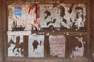 Überreste der letzten Wahl zum Dorfvorstand