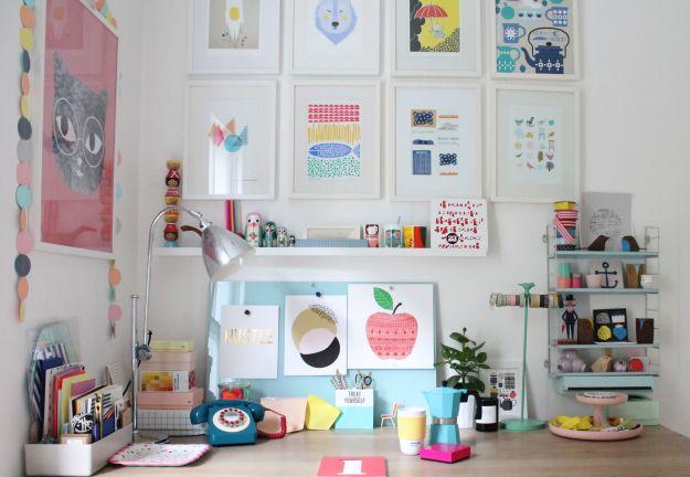 Little-Big_Bell's-desk