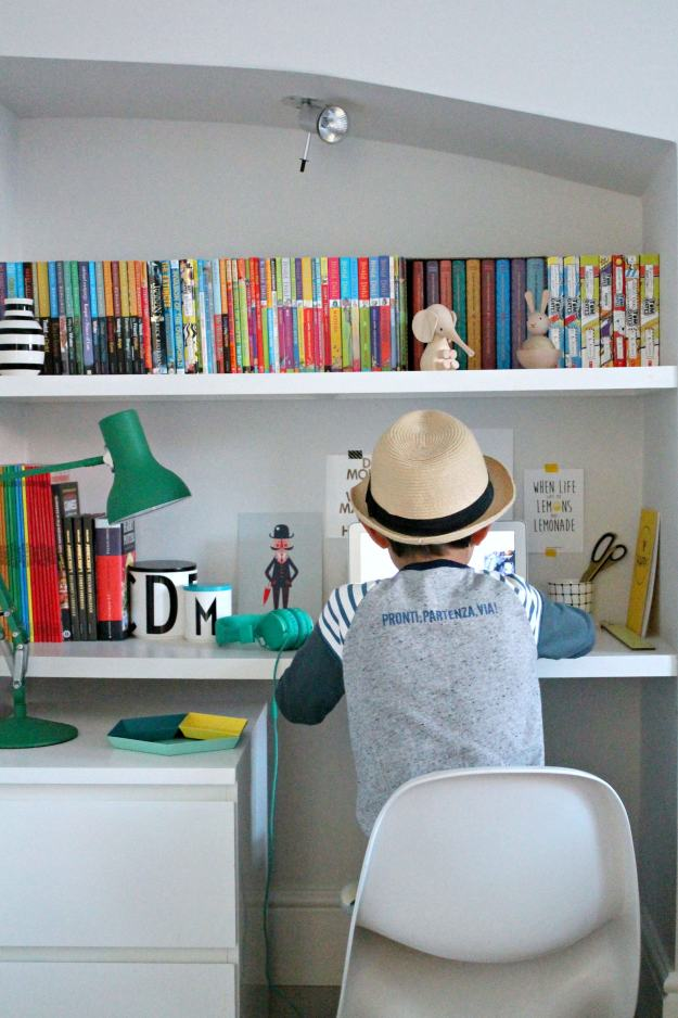 Kid's-workspace-DIY-Little-Big-Bell