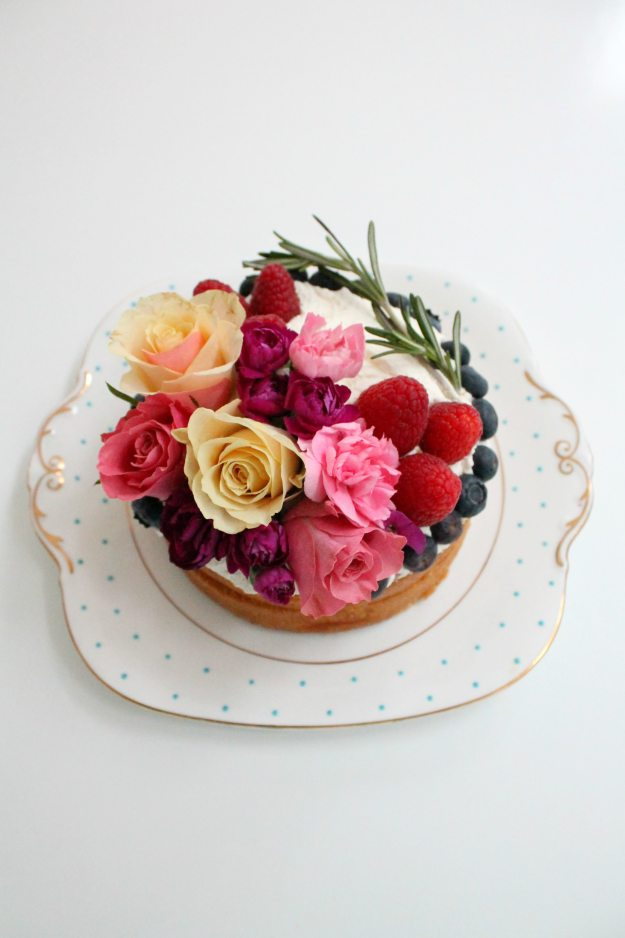 Naked-floral-cake-styled-and-photographed-by-Little-Big-Bell