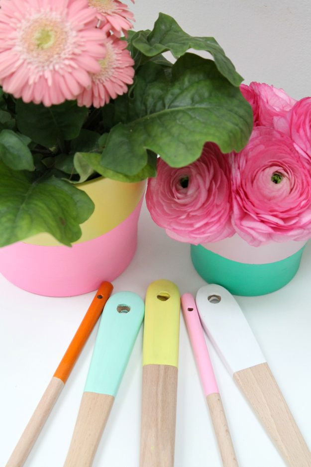 Colour-dipped-wooden-spoons-DIY-Little-Big-Bell