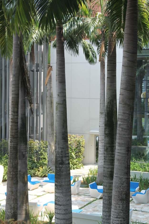 W_Singapore_outdoor_area