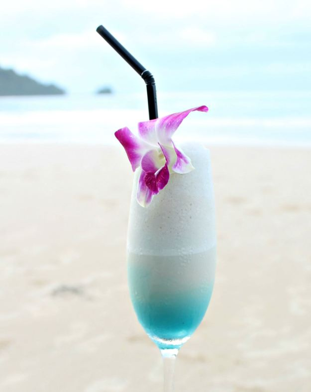 Blue-curacoa-cocktail-at-the-datai-photo-by-little-big-bell