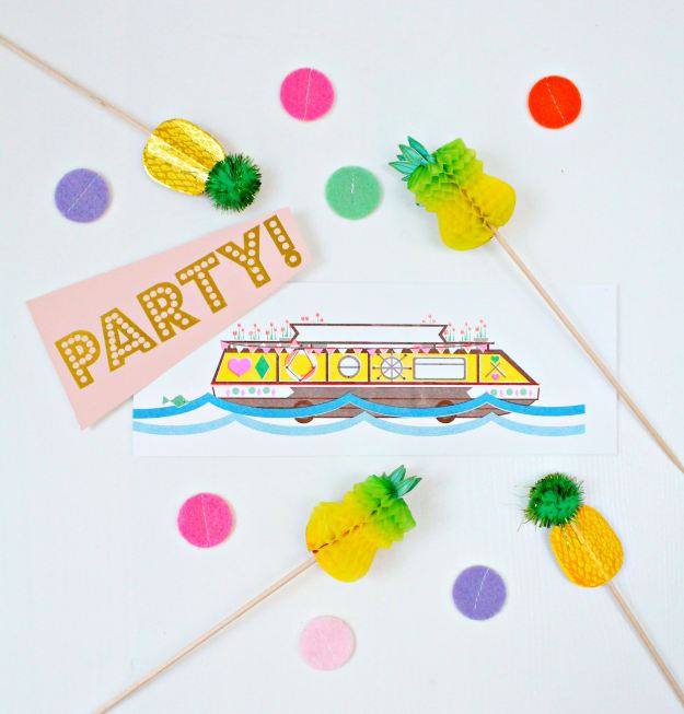 House-boat-party-Little-Big-Bell