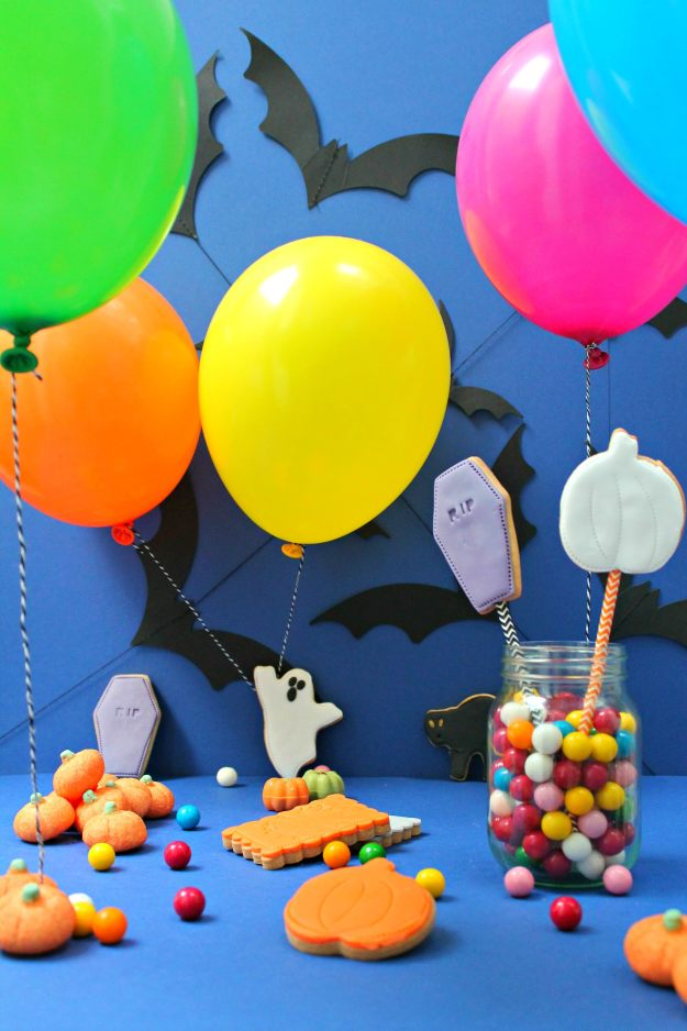 Balloon-time-helium-balloons-Halloween-styling-and-photos-by-Little-Big-Bell