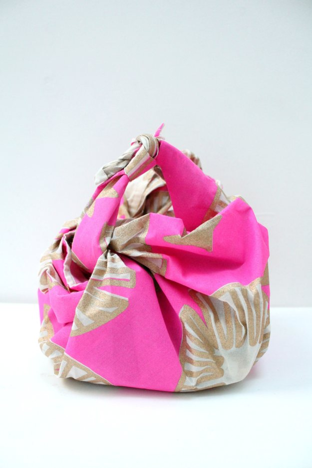 Lush-knot-wrap-photo-by-Little-Big-Bell