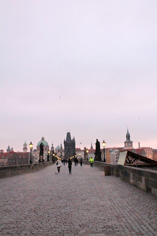 Charles-bridge-at-sunrise-Prague-photo-by-Little-Big-Bell