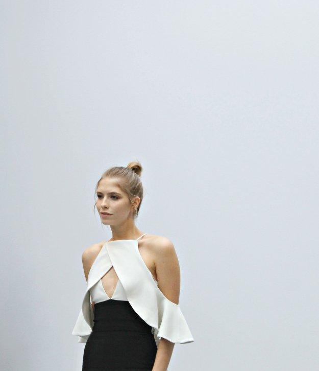 Lena-Perminova-London-Fashion-week-photo-by-Little-Big-Bell