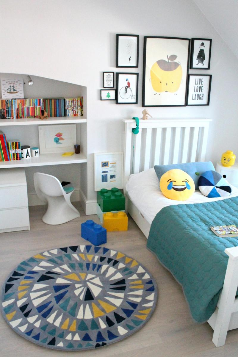 Happy-bedroom-for-kids-photo-by-Little-Big-Bell