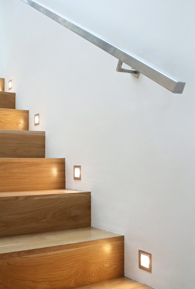 Stair-light-ideas-photo-by-Geraldine-Tan-Little-Big-Bell