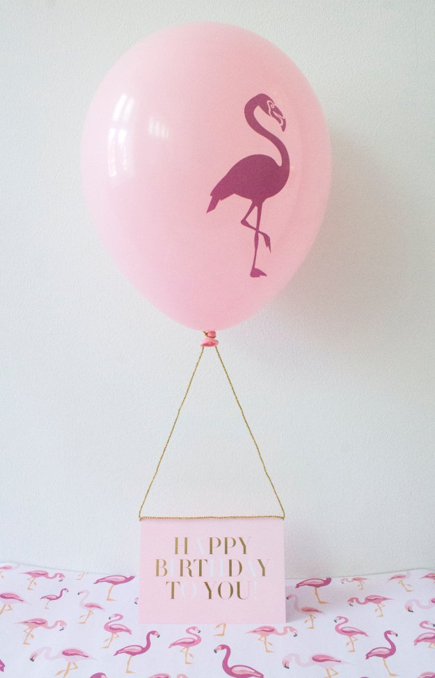 Helium-place-card-holder-Little-Big-Bell