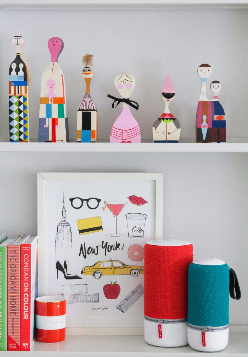 Libratone-on-the-shelf-photo-by-Little-Big-Bell