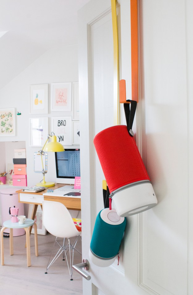Poratble-bluetooth-speaker-that -can-be-hung-up-Libratone-photo-by-Little-Big-Bell