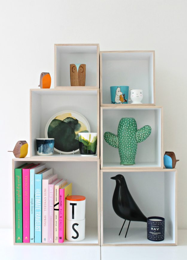 Trouva-box-shelf-Little-Big-Bell