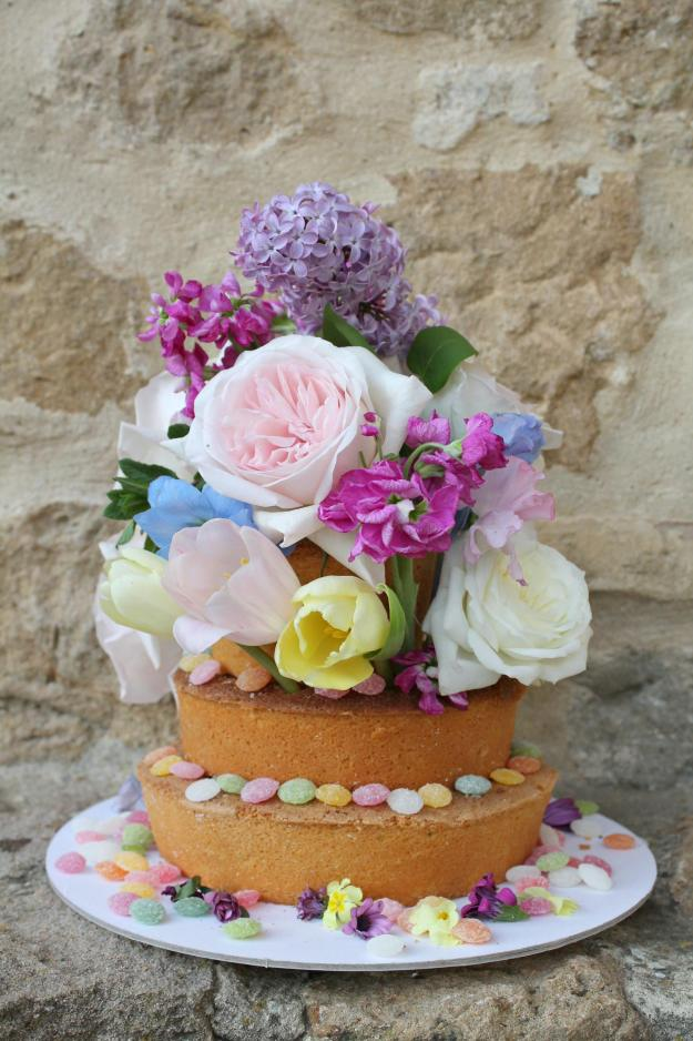 Floral-cake-by-Geraldine-Tan-Little-Big-Bell