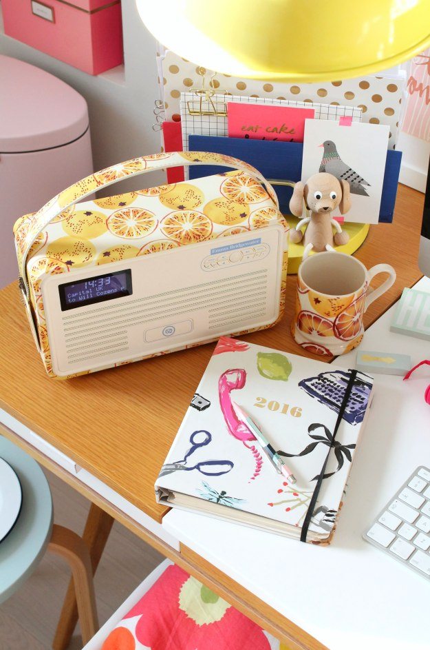 christmas-gift-digital-radio-sound-system-colourful-photo-by-little-big-bell