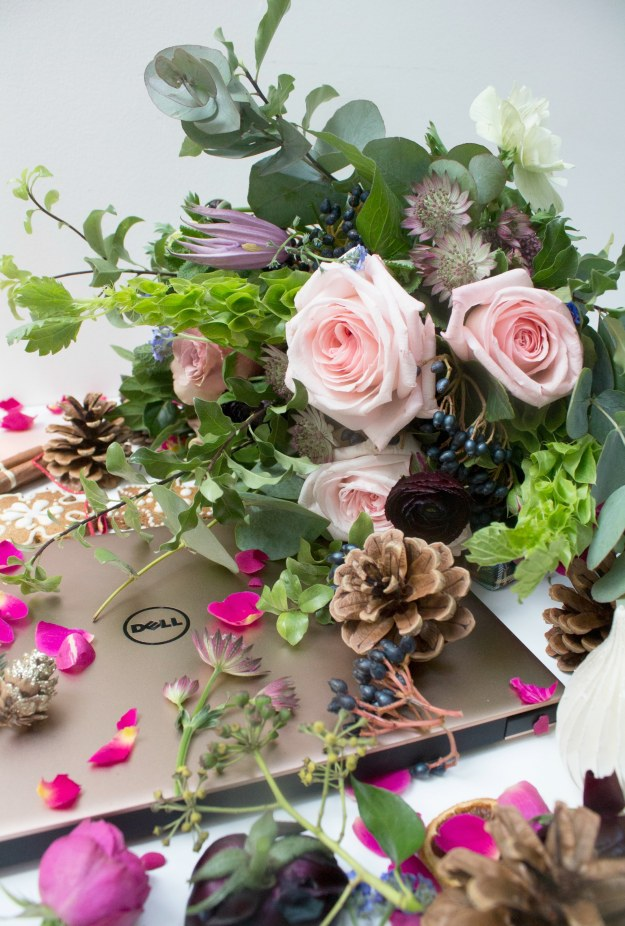 blend-and-bloom-flowers-and-dell