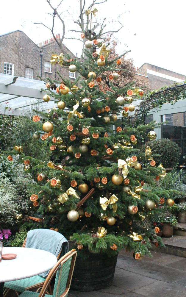 christmas-tree-the-ivy-chelsea-garden-little-big-bell