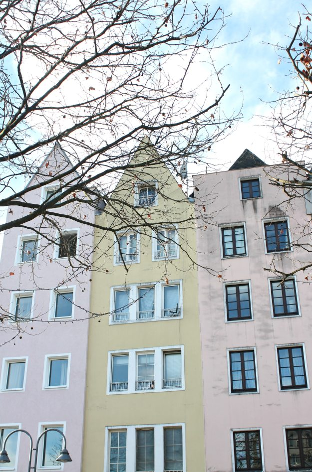 Pastel-buildings-Cologne-Little-Big-Bell