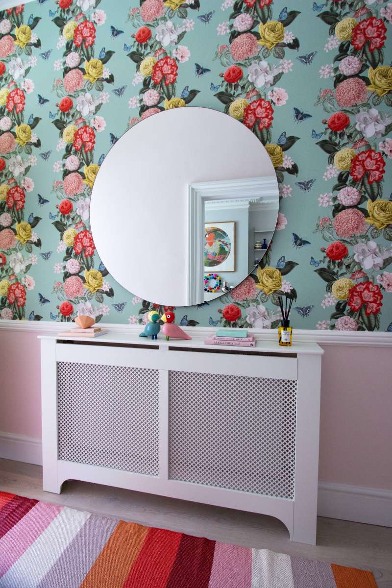decorating a victorian hallway with paint and wallpaper