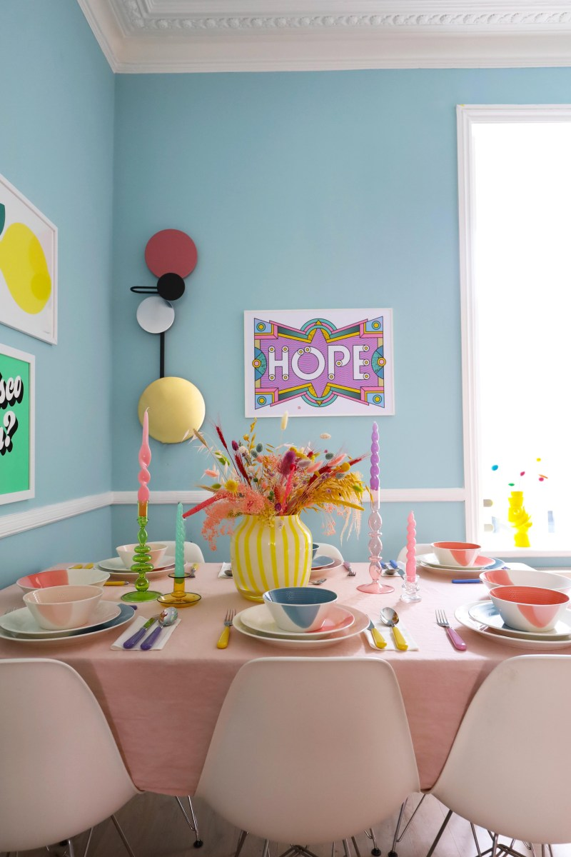 Spring table setting with Royal doulton